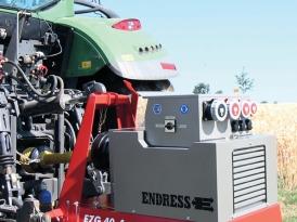 Fixierung Traktor mit  Zapfwellengenerator